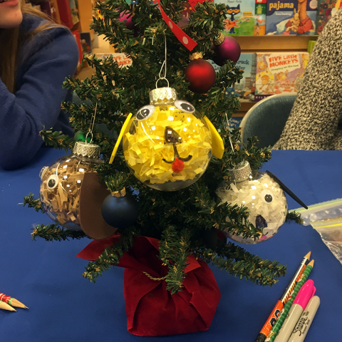 Pet Therapy Bookfair -Ornament craft