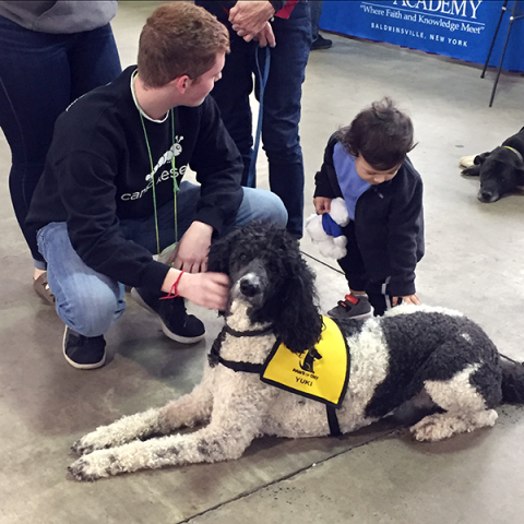 Team_at_ExpoPet-Therapy-Syracuse-Kids_Yuki